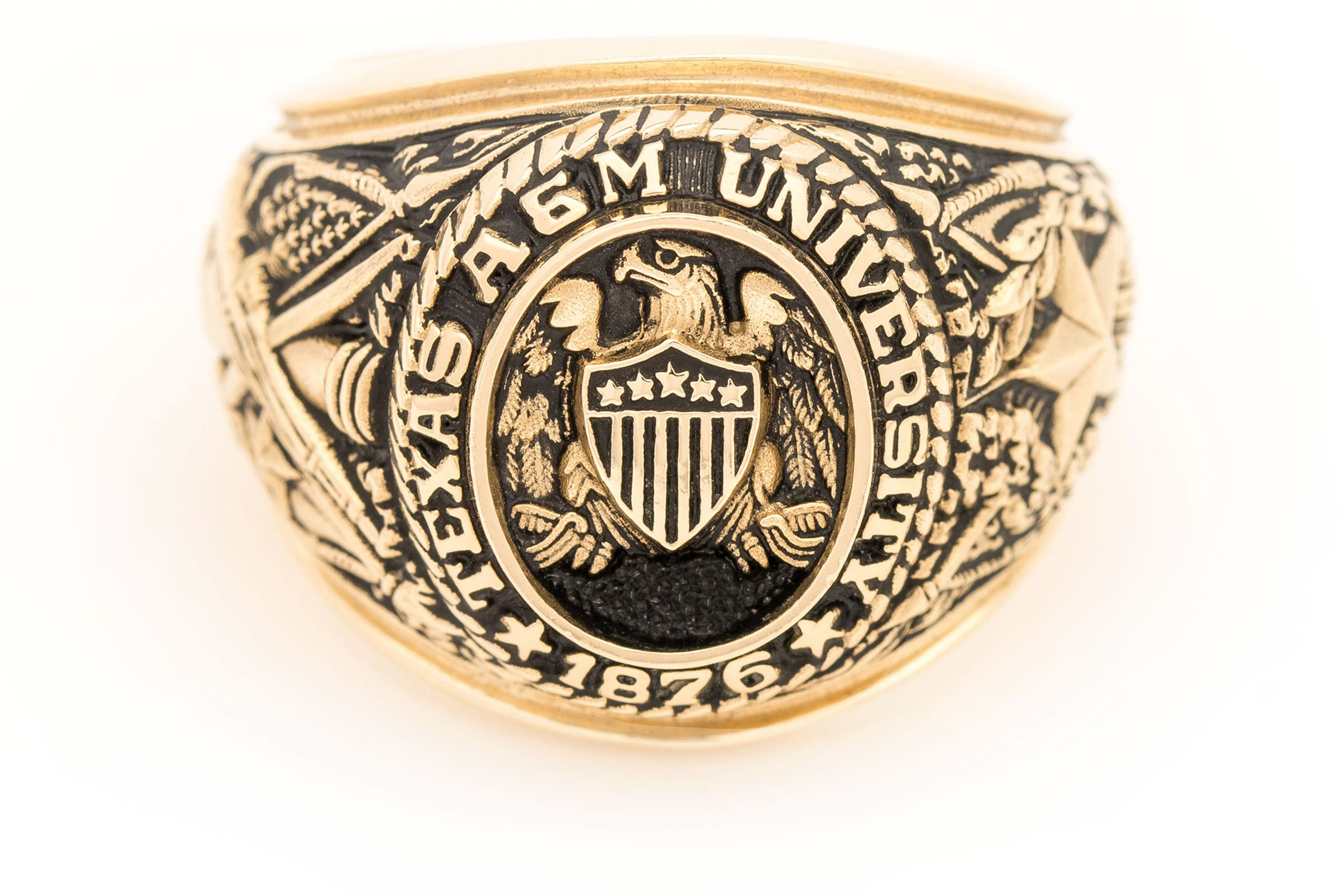Large Aggie Ring in yellow gold with antique finish