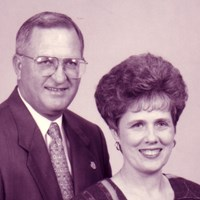 Janet and Robert D. Avery '68