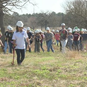 Students Plant Thousands Of Pines In Bastrop