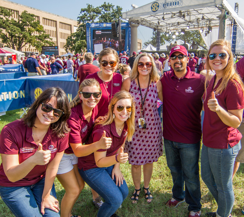 Midnight Yell And Free All-Aggie Tailgate Set For LSU