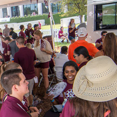 Save the Date for Young Alumni Weekend