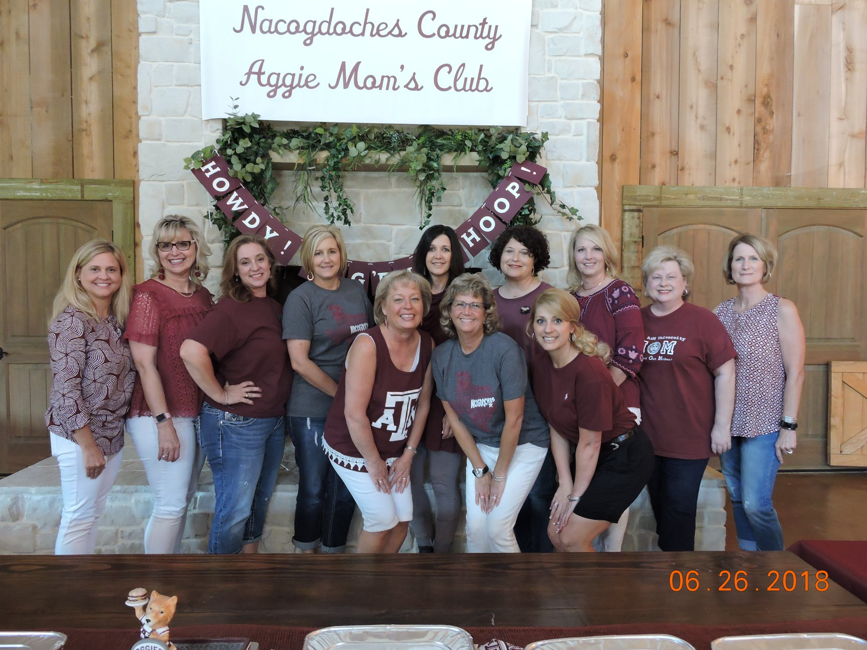 Aggie Mothers Welcome Incoming Students With A 'Howdy!'
